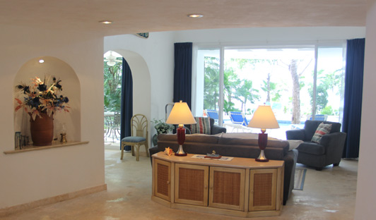 Cozumel vacation rentals: book Casa de Las Flores through Cozumel Paradise Villas.