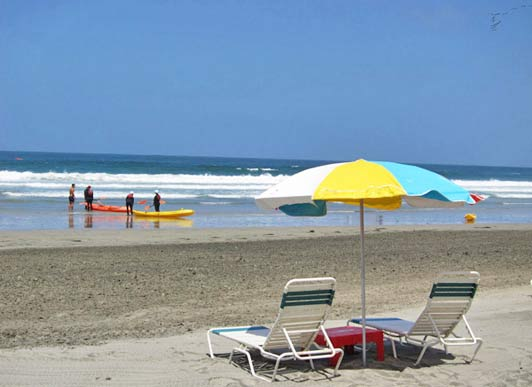 The La Jolla Beach & Tennis Club enjoys a private spot at the south end of La Jolla Shores Beach.