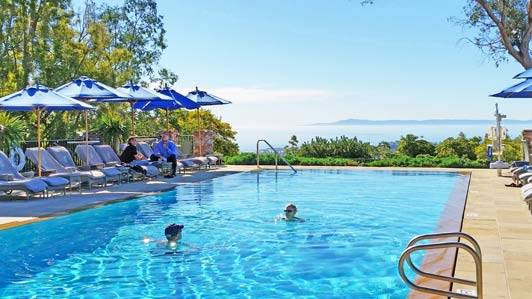 Which Santa Barbara hotel has an oceanview saltwater pool?