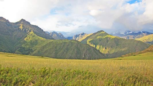 Peruvian scenery near Salineras Ranch.