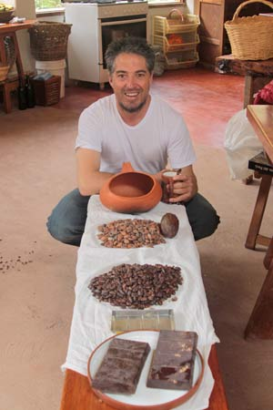 Pablo explaining the process of making Peruvian chocolate from bean to bar.
