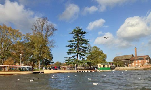 Boat trip on the River Avon, Stratford-Upon-Avon, West Midlands.