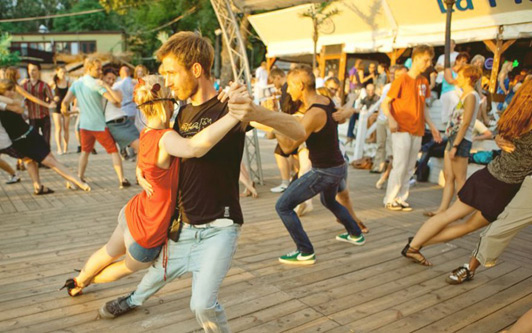 Summer nights are short in Warsaw. Dance them away at La Playa Music Bar.