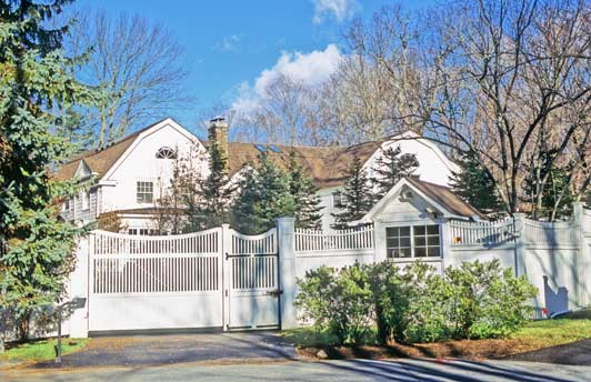 The Clinton's Chappaqua home is on a quiet cul-de-sac. ADAMS / HANSEN STOCK PHOTOS.