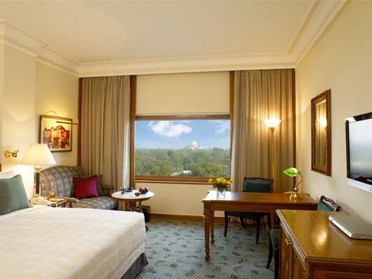 A luxury room at the Oberoi New Delhi.
