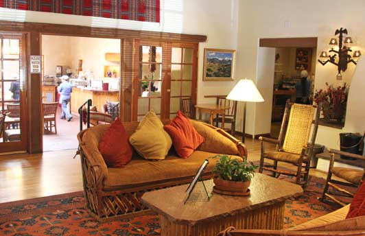 The cozy sitting room at Inn on the Alameda is adjacent to the Agoyo Lounge.