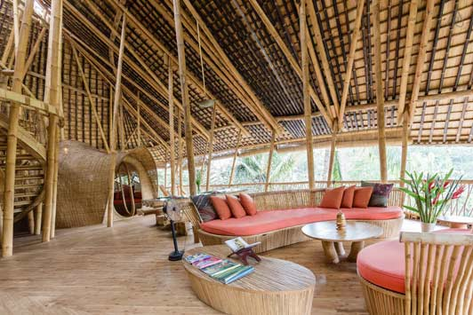 Thanksgiving travel ? This bamboo house near Ubud would certainly make your holiday one to remember.
