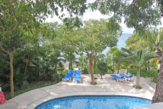 Cozumel vacation rentals: It was just glorious to wake up to the view of the pool with the ocean in the background.