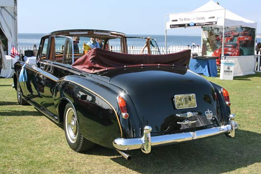 Best time to visit La Jolla: the Concours d'Elegance takes place in Scripps Park overlooking the ocean.