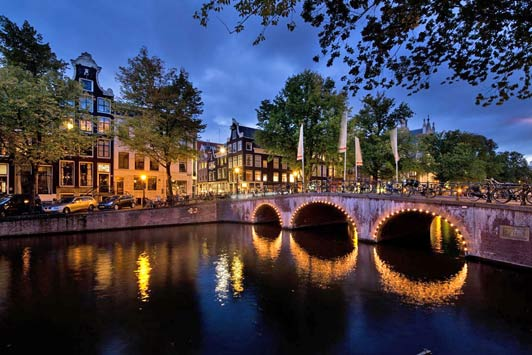 Amsterdam hotels: The Pulitzer is located in the middle of Amsterdam's historic city center.