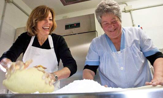 These Tuscan mamas are waiting to teach you how to cook their favorite foods.