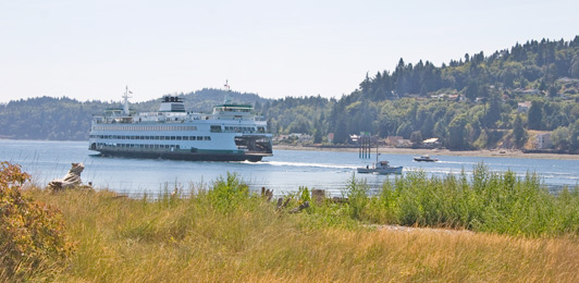 Ferries connect the city of Seattle with Bainbridge Island.